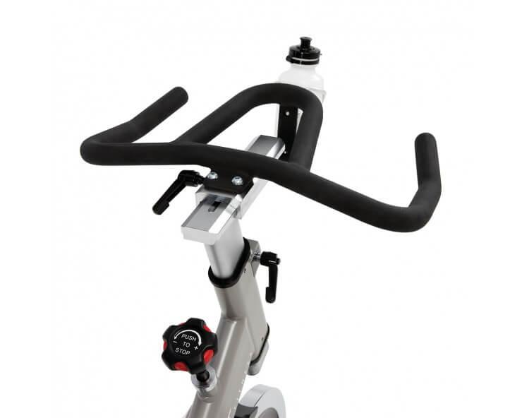 vélo de biking professionnel spirit fitness CB800
